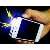 Protection Choc �lectrique Anti Agression + Lampe Led Forme Iphone 4 S