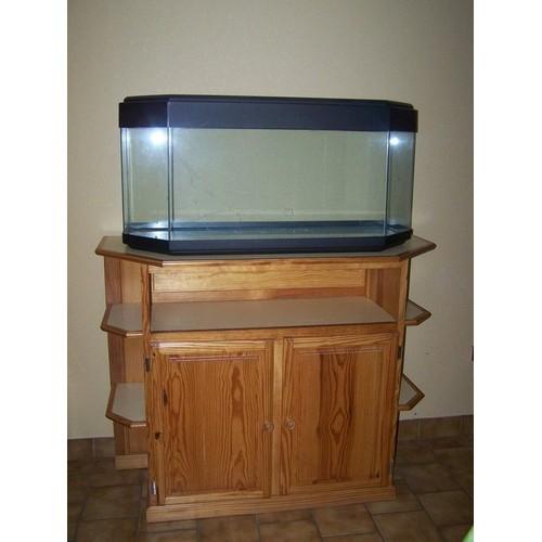Aquarium 170 litres meuble fa ade pin massif vernis for Vendeur aquarium
