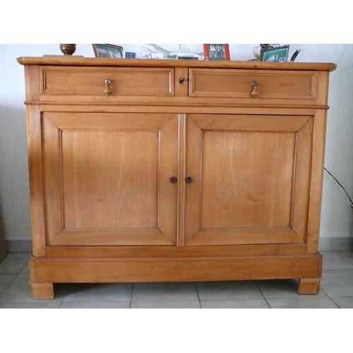 bahut ancien en merisier clair achat et vente. Black Bedroom Furniture Sets. Home Design Ideas