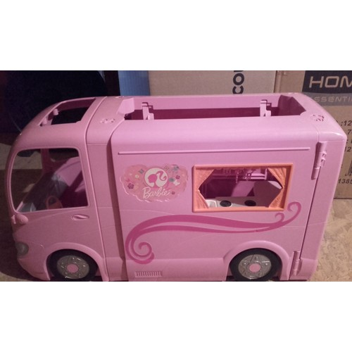 camping car barbie achat vente de jouet priceminister. Black Bedroom Furniture Sets. Home Design Ideas