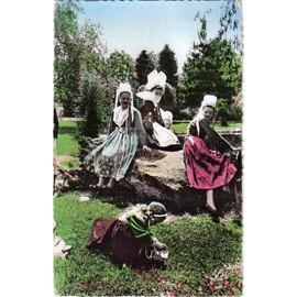Carte Postale France Bretagne Costumes De Plougastel Daoulas Et De Pont Aven