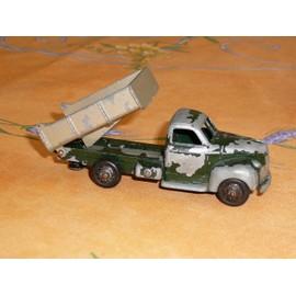 dinky toy camion benne dodge dinky toys neuf et d 39 occasion. Black Bedroom Furniture Sets. Home Design Ideas