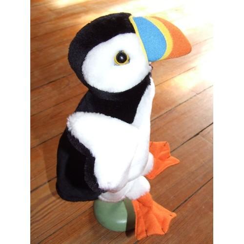 Doudou peluche oiseau noir et blanc bec multicolore bleu for Oiseau noir bec orange