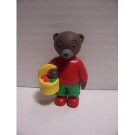 Figurine Petit Ours Brun Avec Panier Pique Nique