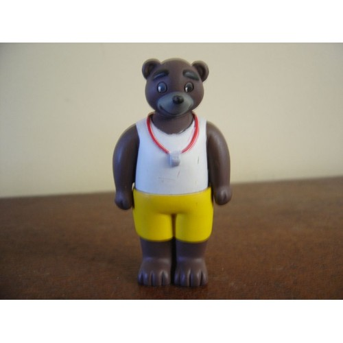 figurine petit ours brun le m itre nageur neuf et d 39 occasion. Black Bedroom Furniture Sets. Home Design Ideas