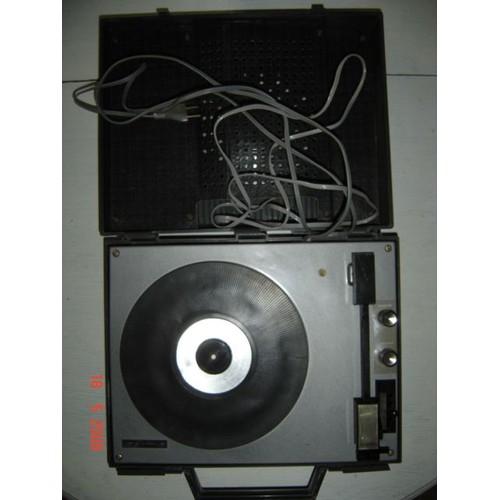 la voix de son ma tre m490 tourne disque 16 33 45 et 78 tours. Black Bedroom Furniture Sets. Home Design Ideas