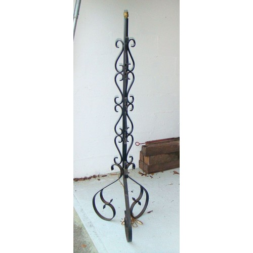 lampadaire fer forge