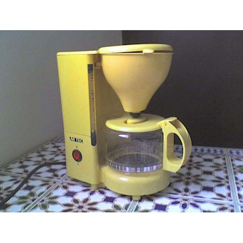 mtec km28 cafeti re lectrique jaune 6 tasses 600 ml pas. Black Bedroom Furniture Sets. Home Design Ideas