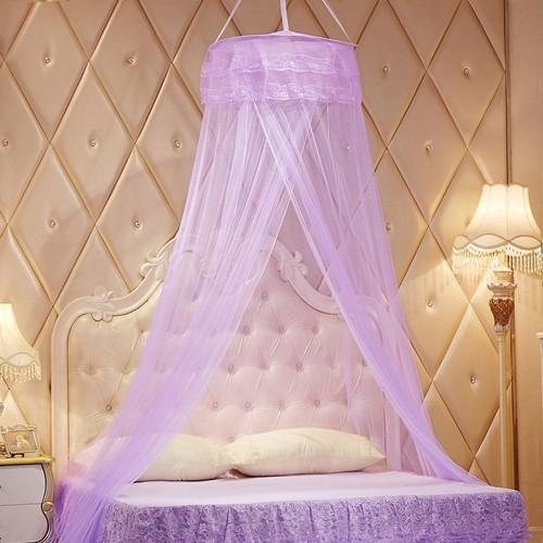 ciel de lit baldaquin amazing gallery of dco chambre baldaquin et ciel de lit tendance ct. Black Bedroom Furniture Sets. Home Design Ideas