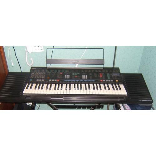 yamaha psr 4500 portatone clavier arrangeur neuf et d 39 occasion. Black Bedroom Furniture Sets. Home Design Ideas