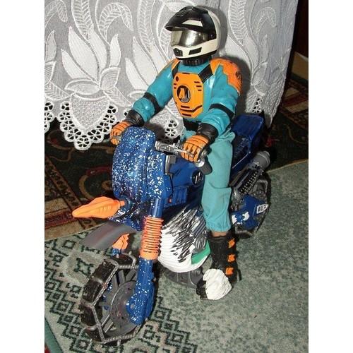 action man moto de neige bleu homme casque neuf et d 39 occasion. Black Bedroom Furniture Sets. Home Design Ideas