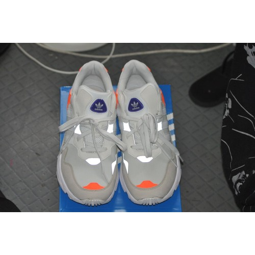 watch 8c41d 3b452 Adidas Yung-96 - Achat vente de Chaussures - Rakuten