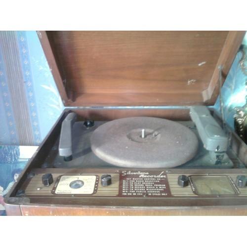ancien tourne disque silverstone pi ce de collection paris. Black Bedroom Furniture Sets. Home Design Ideas