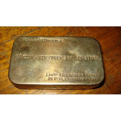 Ancienne boite metal vaccin antipyogene bruschettini ca - Boite metal ancienne ...