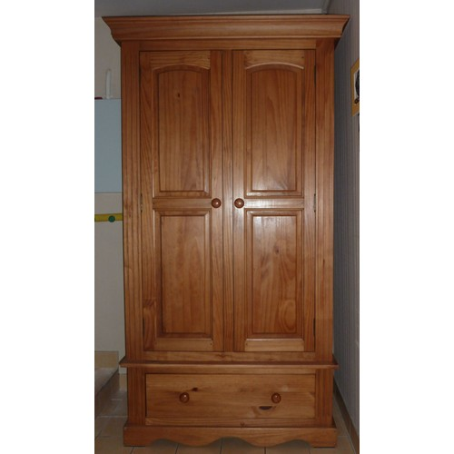 armoire 2 portes pin massif achat vente de mobilier priceminister rakuten. Black Bedroom Furniture Sets. Home Design Ideas
