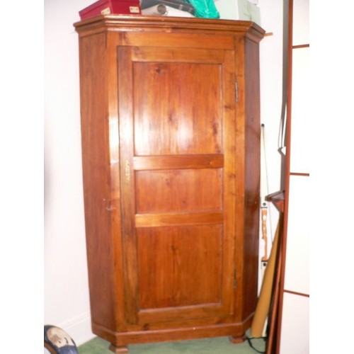 Beautiful armoire designe armoire dangle ikea occasion les for Armoire angle chambre
