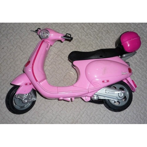 barbie vespa scooter achat vente neuf occasion priceminister. Black Bedroom Furniture Sets. Home Design Ideas