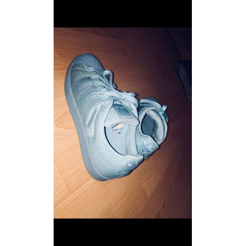 Basket : Adidas Superstar Turquoise  Chaussures à coussin d'air