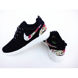 fbkzn Baskets Nike Roshe Run With Flower 2015