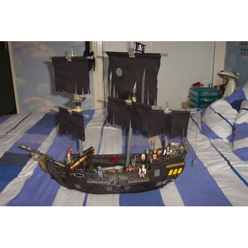 bateau black pearl de pirate des caraibes mega bloks 1066. Black Bedroom Furniture Sets. Home Design Ideas