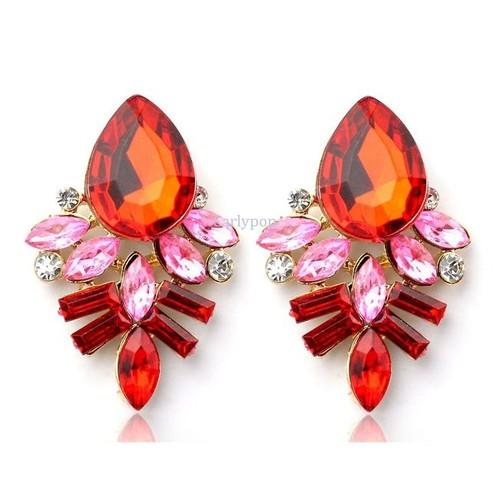 boucles d 39 oreilles pendantes fantaisie cristaux en r sine rouge. Black Bedroom Furniture Sets. Home Design Ideas