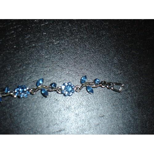 bracelet bleu citron argent avec motifs fleurs et. Black Bedroom Furniture Sets. Home Design Ideas