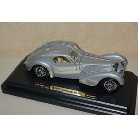 bugatti 57 s atlantic 1936 coup burago 1 24e neuf et d 39 occasion. Black Bedroom Furniture Sets. Home Design Ideas