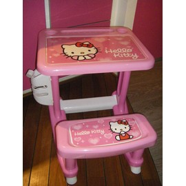 Bureau d 39 activit s pupitre hello kitty de chez sanrio for Bureau hello kitty