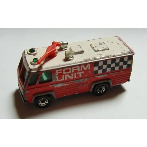 ea3d7edecfdf camion-police-anti-emeute-foam-unit-command-vehicule-jouet-862268546 L.jpg