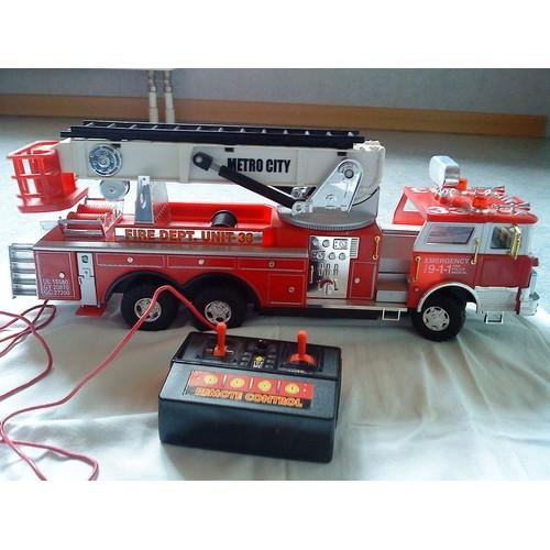 camion pompier t l command achat vente de jouet rakuten. Black Bedroom Furniture Sets. Home Design Ideas