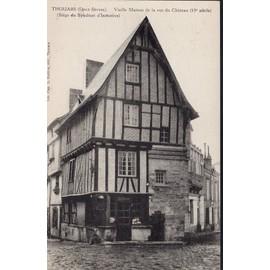 Carte Postale De Thouars (Deux-Sèvres) Vieille Maison De La Rue Du Château