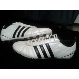 Chaussures De Football Adidas Adinova