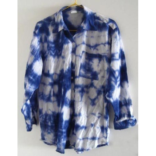 chemise femme bleu et blanc tie and dye taille 36 38 40 tissu sp cial pour bronzer au. Black Bedroom Furniture Sets. Home Design Ideas