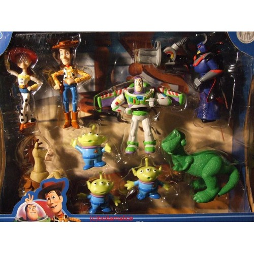 coffret de figurines toy story disney achat et vente. Black Bedroom Furniture Sets. Home Design Ideas