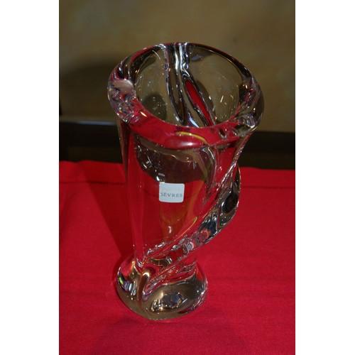 collection france vase signe cristal de sevres hauteur 19cm. Black Bedroom Furniture Sets. Home Design Ideas