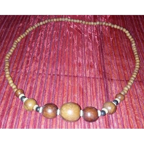 collier en perle de bois 81 cm plus grosse perle 3 cm de. Black Bedroom Furniture Sets. Home Design Ideas