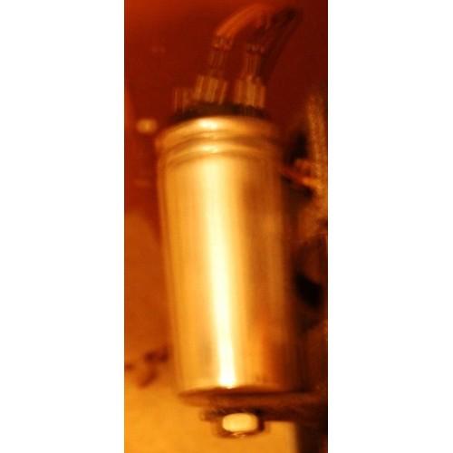 condensateur de d marrage pour moteur de s che linge du groupe ignis whirlpool. Black Bedroom Furniture Sets. Home Design Ideas