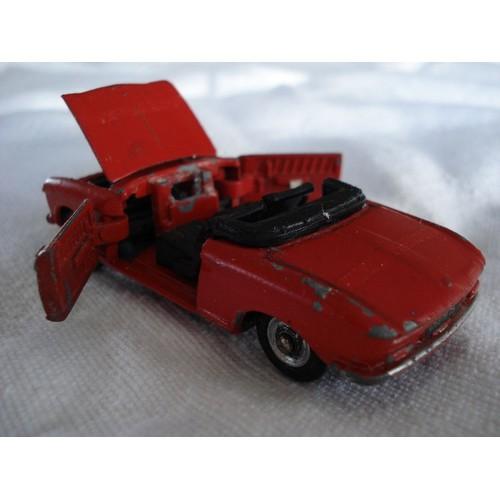 dinky toys peugeot 204 cabriolet dinky toys neuf et d 39 occasion. Black Bedroom Furniture Sets. Home Design Ideas