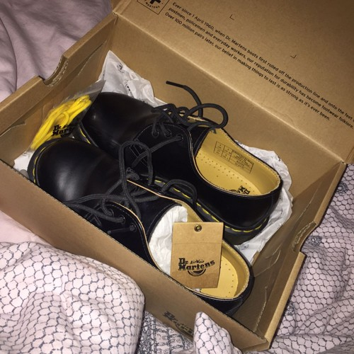 doc martens basse noir mat achat vente de chaussures priceminister rakuten. Black Bedroom Furniture Sets. Home Design Ideas