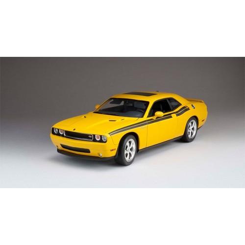 dodge challenger r t classic detonator yellow highway61 50851 1 18 jaune. Black Bedroom Furniture Sets. Home Design Ideas