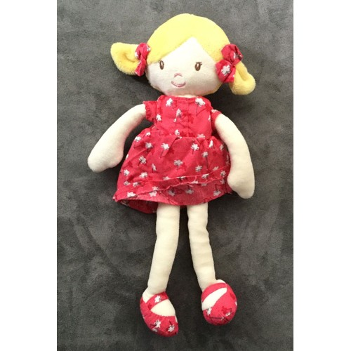 doudou poup e petite fille blonde robe rouge fleurs blanches okaidi obaibi. Black Bedroom Furniture Sets. Home Design Ideas