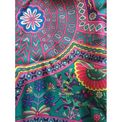 56438e884dd Ensemble Vêtement Hermès Carré Hermès Soie Unique Multicolore