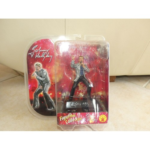 figurine collector johnny hallyday rubies neuf et d 39 occasion. Black Bedroom Furniture Sets. Home Design Ideas