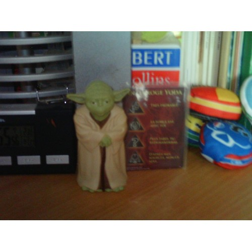 figurine maitre yoda figurine neuf et d 39 occasion priceminister rakuten. Black Bedroom Furniture Sets. Home Design Ideas