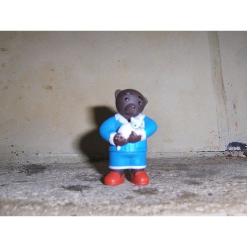 figurine petit ours brun avec son petit chat achat et vente. Black Bedroom Furniture Sets. Home Design Ideas