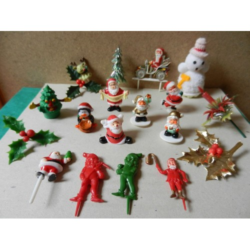 Figurines du p re no l et objets d cor pour no l 7 p res for Decoration buche de noel