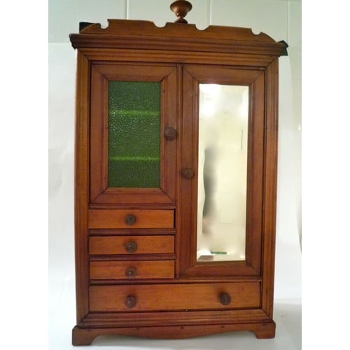 grande armoire de poup e ancienne pi ce de maitrise neuf. Black Bedroom Furniture Sets. Home Design Ideas