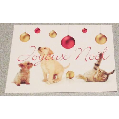 47930c48b3dc grande-carte-double-a-fond-blanc -avec-des-chiots-yorshire-et-labrador-accompagnes-dun-chaton-tigre-admirant-des-boules-rouges-ou-dorees-mention-joyeux- noel- ...