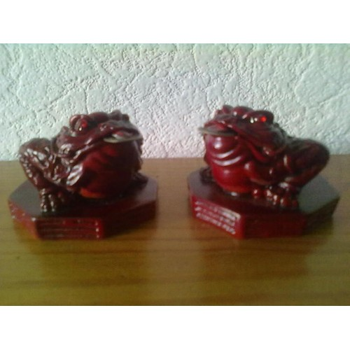 grenouille 3 pattes porte bonheur chinois feng shui. Black Bedroom Furniture Sets. Home Design Ideas