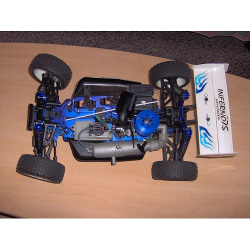 inferno 7 5 voiture thermique 1 8 me kyosho neuf et d 39 occasion. Black Bedroom Furniture Sets. Home Design Ideas